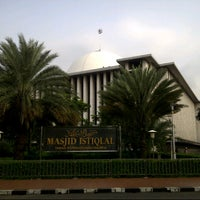Photo taken at Masjid Istiqlal by kurniawan a. on 7/29/2013