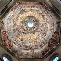 Photo taken at Cattedrale di Santa Maria del Fiore by Kyunhee C. on 5/10/2013
