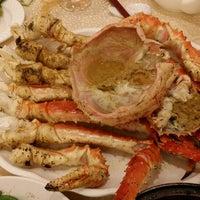 Photo taken at Chuk Yuen Seafood Restaurant 竹園海鮮飯店 by Winsey N. on 12/30/2013