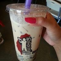 Photo taken at Bubble Republic Tea House 奶茶黨部 by Bonnie E. on 7/21/2013