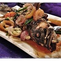 Photo taken at Sawadee Thai Seafood by Muhd Amzar Y. on 10/7/2013