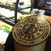 Photo taken at Starbucks by Gibum K. on 2/3/2013