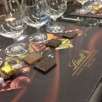 Photo taken at Lindt Chocolate Studio by Valéria D. on 6/19/2015