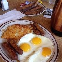 Photo taken at Pancakes R Us by Rasha A. on 6/13/2014