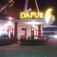 Photo taken at Dapur Cokelat by Yulie J. on 4/3/2014