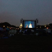 Photo taken at Screen on the Green by Erlie P. on 8/12/2014