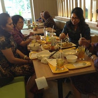Photo taken at D'Cost Seafood by Priagung D. on 8/19/2013