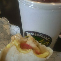 Photo taken at Tropical Smoothie Café by Carter R. on 9/23/2013