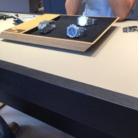 Photo prise au Audemars Piguet Boutique par Abdullah S. le8/22/2015