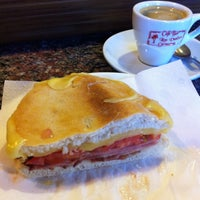 Photo taken at Cerveceria Cafeteria Los Valles by Basilio B. on 3/23/2013