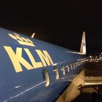 Photo taken at Gate B16 by Techi on 12/31/2013