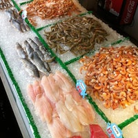 Photo taken at Maine Avenue Fish Market by Dianna V. on 10/27/2012