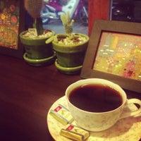 Photo taken at 맘C 좋은 아저씨가 내려주는 기분좋은 Coffee by min p. on 5/29/2013