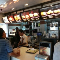 Photo taken at McDonald's / McCafé by Raya F. on 10/28/2012
