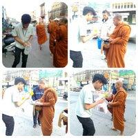 Photo taken at ตลาดสดเทศบาลเมืองปราจีนบุรี by chaiwat t. on 12/28/2013
