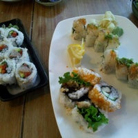 Photo taken at Moshi Moshi Sushi by Athima C. on 8/17/2012