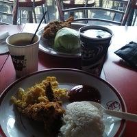 Photo taken at KFC by samgar y. on 7/7/2014