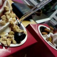 Photo taken at chillbox frozen yogurt by Jimmy P. on 5/29/2015