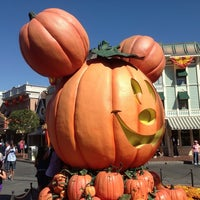 Photo taken at Disneyland by Simon D. on 10/17/2013