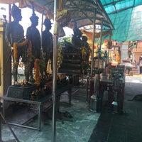 Photo taken at Wat Luang Por Opasee by Lakkhana E. on 8/21/2016