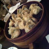 Photo taken at Qing Hua Dumpling by WiLL on 9/18/2013