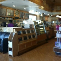 Photo taken at The Coffee Bean & Tea Leaf by Frank W. on 4/23/2014