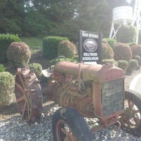 Photo taken at Hollywood Hill Vineyards by Robert N. on 10/15/2013