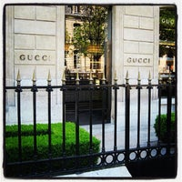 Photo taken at Gucci by Ultimate Paris on 11/22/2011