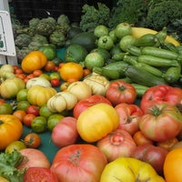 Photo taken at Divisadero Farmers' Market by Matthew G. on 8/4/2013
