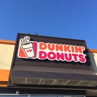 Photo taken at Dunkin' Donuts by Yunus A. on 8/24/2016