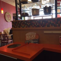 Photo taken at Popeyes Chicken & Biscuits by Boza on 2/8/2014