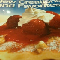 Photo taken at IHOP by F. Khristopher B. on 11/8/2012