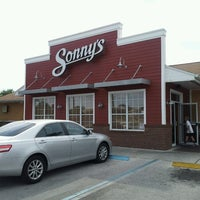 Photo taken at Sonny's BBQ by Dennis P. on 5/19/2013