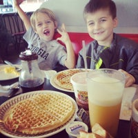 Photo taken at Waffle House by Ben P. on 12/7/2013