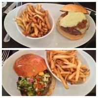 Photo taken at 5 Napkin Burger by Keron J. on 7/2/2013