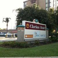 Photo taken at Clarion Hotel Anaheim Resort by Daniel W. on 7/20/2013
