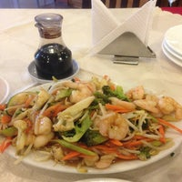 Photo taken at Restaurant Casa China by Pedro Andrés Q. on 9/4/2013