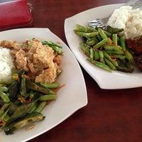 Photo taken at Recezz Foodcourt by Yeneeyy L. on 10/23/2013
