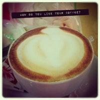 Photo taken at Restoran Pak Tam by d_yanz on 9/27/2012