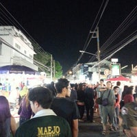 Photo taken at Wualai Saturday Nightmarket by oak o. on 1/12/2013