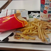 Photo taken at McDonald's by Rafiq r. on 7/13/2015
