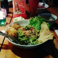 Photo taken at Cwie Mie Malang / Roellie's Steak by Medita H. on 3/21/2015
