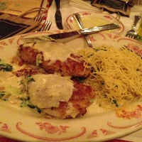 Photo taken at Maggiano's Little Italy by Orlando I. on 6/10/2013