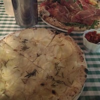 Photo taken at Pizza Mario by Elif D. on 8/14/2013