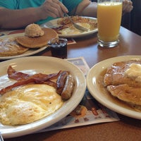 Photo taken at Denny's by Ricardo F. on 10/3/2014