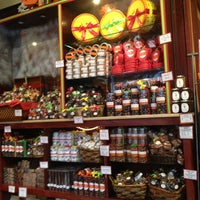 Photo taken at Jacques Torres Chocolate by Seungah H. on 1/17/2013