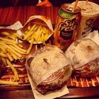 Photo taken at Burger King by Pâmela R. on 7/17/2013