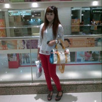 Photo taken at Lobby Supermall Pakuwon Indah by Rere M. on 6/21/2013