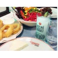 Photo taken at El-Hayyam Restaurant by İpek S. on 9/19/2015