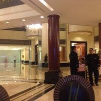 Photo taken at The Sultan Hotel & Residence Jakarta by Fujita N. on 7/20/2016